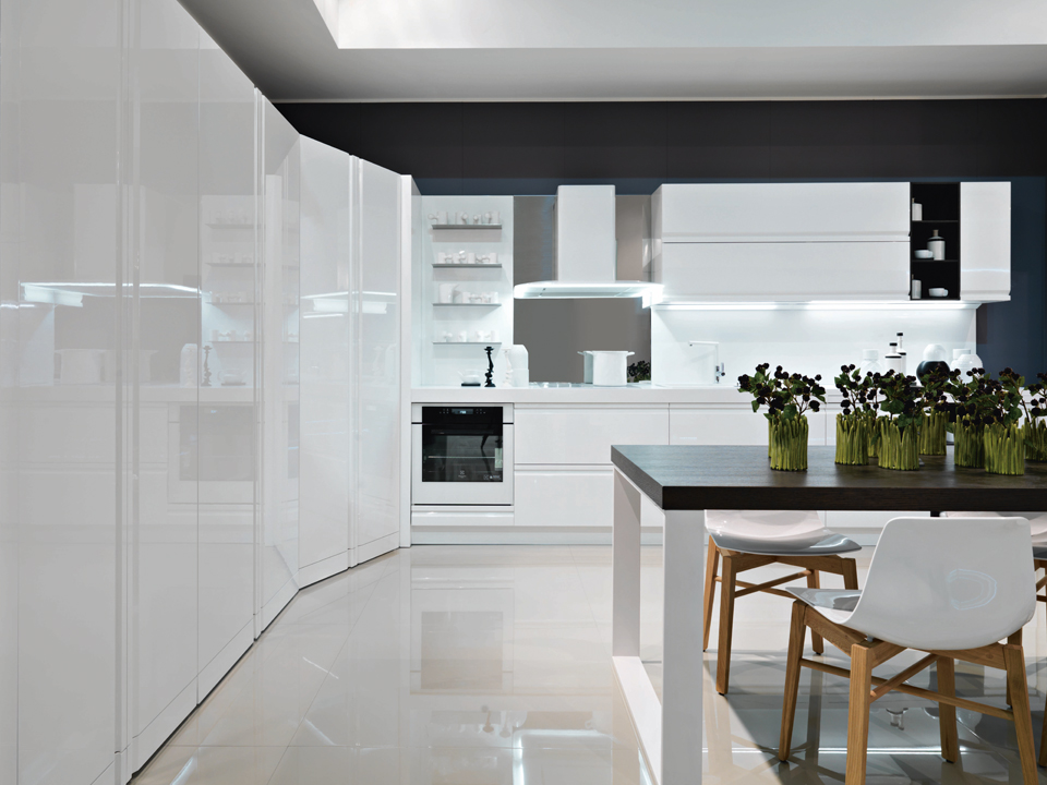 Cucine moderne e contemporanee - Cucina bianca lucida ...