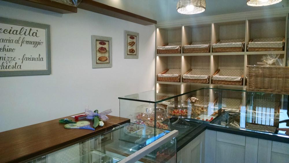 Servizi e arredi per uffici ristoranti negozi bar for Arredamento panetteria